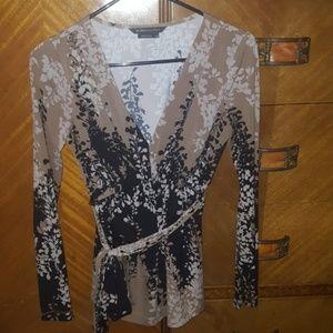 BCBGMaxAzria V-neck Cinch Waist Looptie blouse, XS